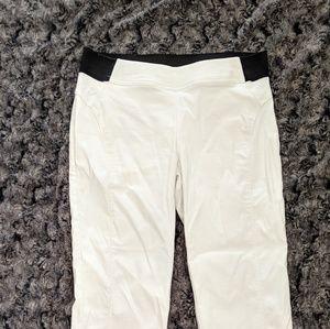 Simply Vera Wang cream cropped pants